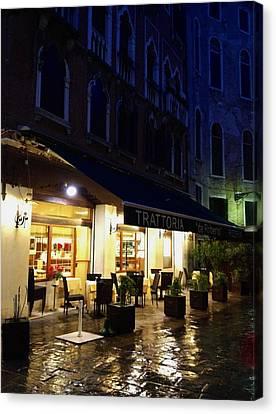 La Roberto's Trattoria On A Rainy Eve Canvas Print by Jan Moore