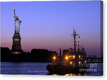 Canvas Print featuring the photograph Lady Liberty At Dusk by Lilliana Mendez