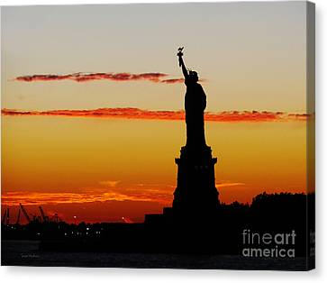 Canvas Print featuring the photograph Lady Liberty At Sunset by Susan Wiedmann