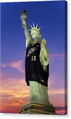 Lady Liberty Dressed Up For The Nba All Star Game Canvas Print by Susan Candelario