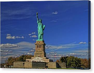 Lady Liberty In New York City Canvas Print by Dan Sproul