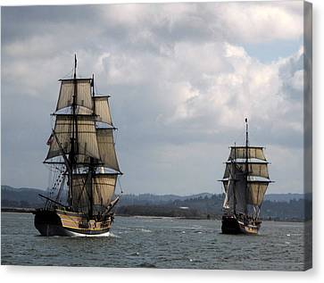 Lady Washington And The Hawaiian Chieftain Canvas Print by Suzy Piatt