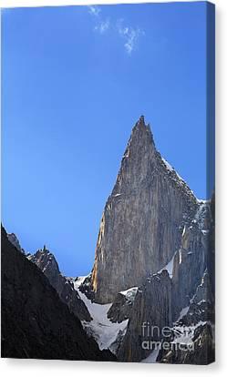 Ladys Finger Peak In The Karakorum Pakistan Canvas Print by Robert Preston