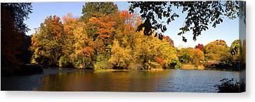 Canvas Print featuring the photograph Lake In Central Park In Fall by Yue Wang
