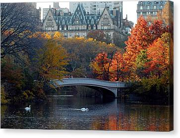 Canvas Print featuring the photograph Lake In Central Park by Yue Wang