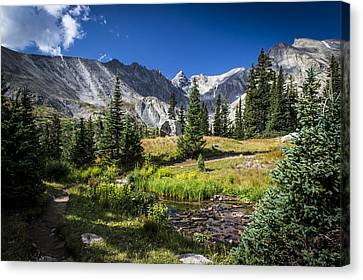 Lake Isbelle Mountains Canvas Print