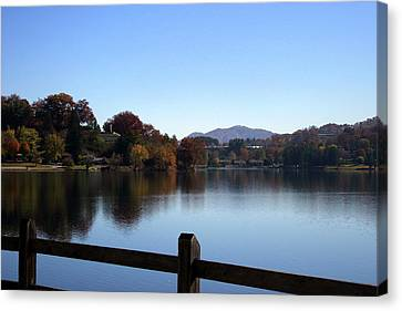 Lake Junaluska In The Mountains Canvas Print by Paula Tohline Calhoun