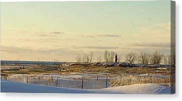 Lake Michigan Lighthouse Muskegon Michigan In Winter Canvas Print by Rosemarie E Seppala