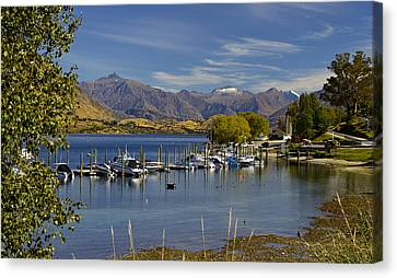 Beautiful Lake Wanaka New Zealand Canvas Print by Venetia Featherstone-Witty