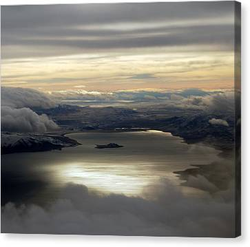 Lakescape Canvas Print by Mamie Gunning