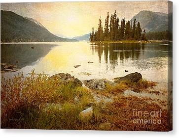 Lakeview Canvas Print