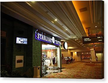 Las Vegas - Mandalay Bay - 12121 Canvas Print by DC Photographer