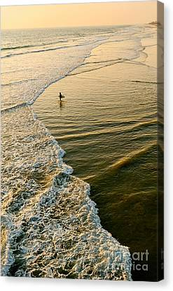 Last Wave - Lone Surfer Waiting For The Perfect Wave In Huntington Beach Canvas Print