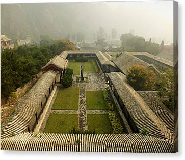 Canvas Print featuring the photograph Late Morning Fog At The Great Wall  by Lucinda Walter