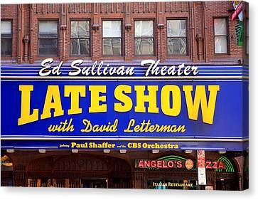 Late Show New York Canvas Print by Valentino Visentini