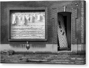 Laundry And Abandoned House Canvas Print by Dirk Ercken