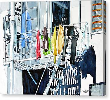 Laundry Day In San Francisco Canvas Print by Tom Riggs