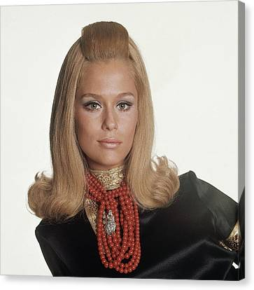 Laura Hutton Wearing Tiffany Necklaces Canvas Print by Bert Stern