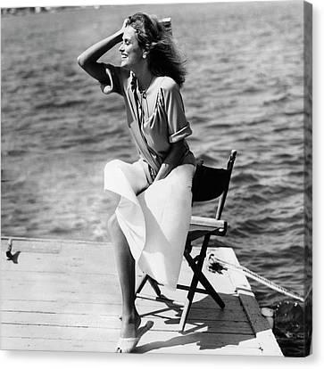 Lauren Hutton Wearing A Top And Poplin Skirt Canvas Print