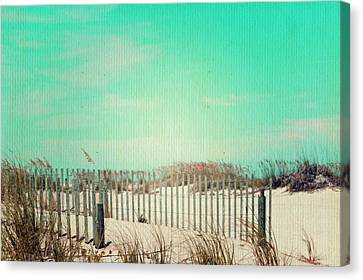 Lazy Day Of Summer Canvas Print by Laurie Perry