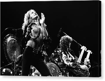Led Zeppelin Live 1975 Canvas Print by Chris Walter