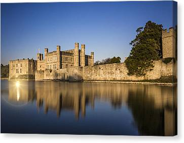 Leeds Castle Canvas Print by Ian Hufton