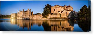 Leeds Castle Panorama Canvas Print by Ian Hufton