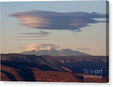 Lenticular Cloud Hovers Over The San Francisco Peaks Of Flagstaff Arizona Canvas Print