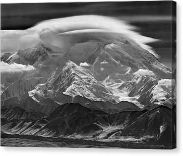 101366-lenticular Cloudcap Over Mt. Mckinley Canvas Print
