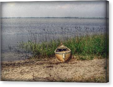 Canvas Print featuring the photograph L'etang by Hanny Heim