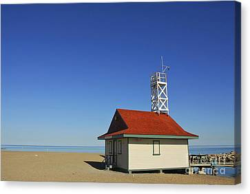Leuty Lifeguard Station In Toronto Canvas Print by Elena Elisseeva