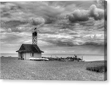 Leuty Lifeguard Station Canvas Print by Ross G Strachan
