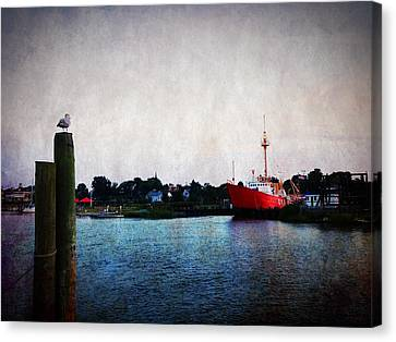 Lewes - Overfalls Lightship 2 Canvas Print by Richard Reeve