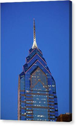 Liberty Place Skyscrapper At Dusk Canvas Print