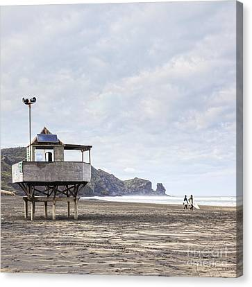 Lifeguard Tower And Surfers Bethells Beach New Zealand Canvas Print