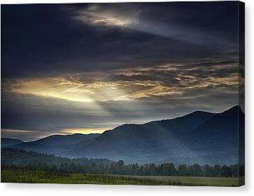 Light From The Heavens Canvas Print by Andrew Soundarajan