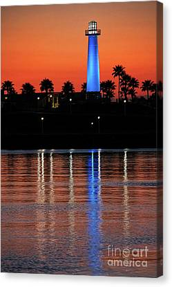 Lighthouse At Queensway Bay Canvas Print by Mariola Bitner