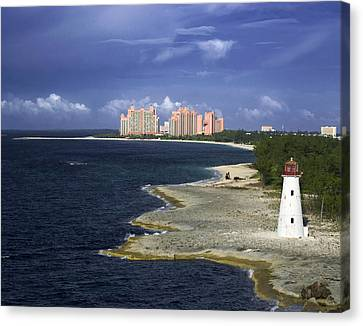 Lighthouse On Colonial Beach With Atlantis Paradise Resort Bahamas Canvas Print