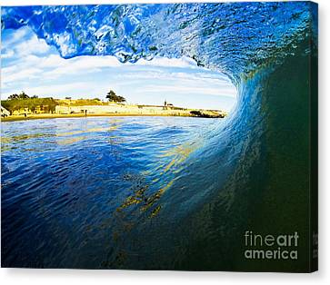 Canvas Print featuring the photograph Lighthouse Wave 1 by Paul Topp