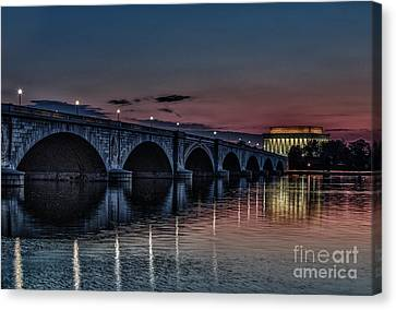 Lincoln At Sunrise Canvas Print by Mark East