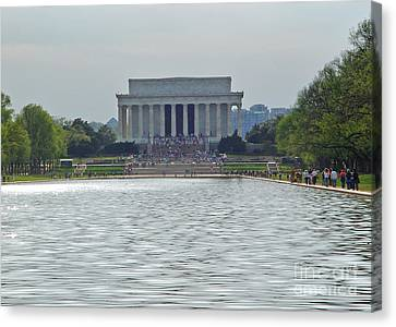 Lincoln Memorial 1 Canvas Print by Tom Doud