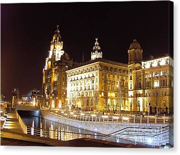 Liver Building And Canal Liverpool Uk Canvas Print