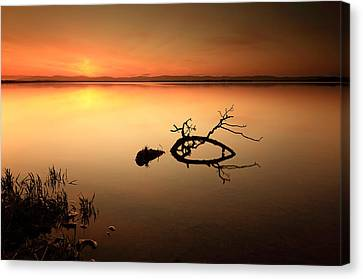 Loch Leven Sunset Canvas Print by Grant Glendinning