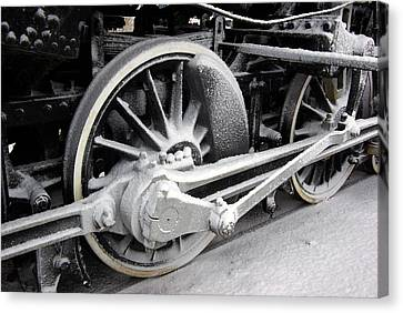 Locomotive 1095 Drive Wheels Canvas Print by Paul Wash