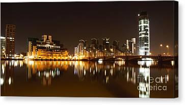 Canvas Print featuring the photograph London 3 by Mariusz Czajkowski