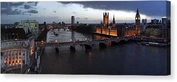 London At Dusk Canvas Print by Gary Lobdell