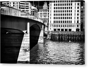 London Bridge View Canvas Print by John Rizzuto