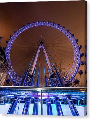 London Eye Supports Canvas Print by Matt Malloy