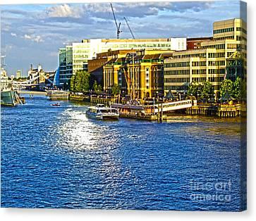London River Thames Canvas Print