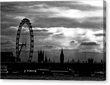 London Silhouette Canvas Print by Jorge Maia